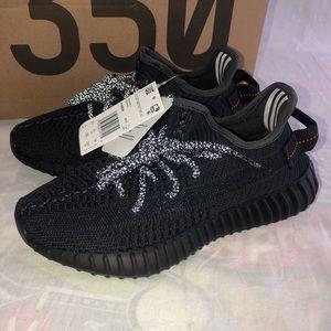 Yeezy 350 V2 Boost Non-Reflective Black Size 4 NEW